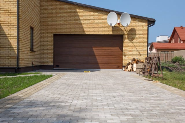 garage door Maintenance conroe